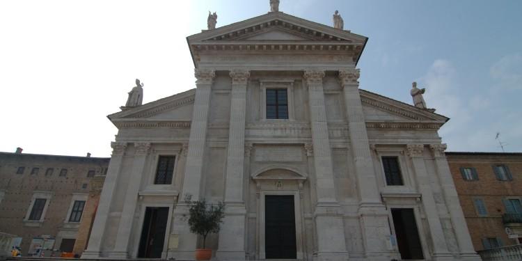 Urbino-duomo04
