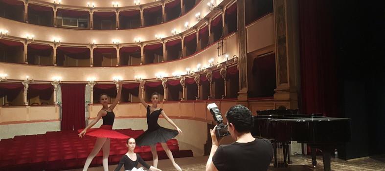 Urbino_teatro_backstage1