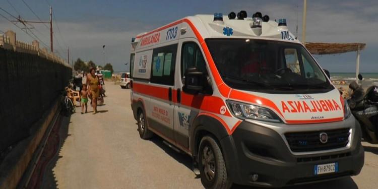 bagnino ambulanza spiaggia 20621207_1403531906380285_5991713426847956280_n