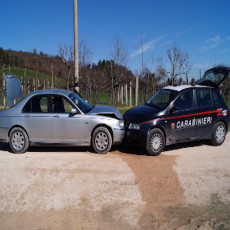 carabinieri speronati0
