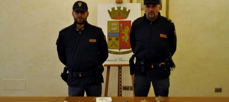 polizia droga spaccio foto 25.11.2017